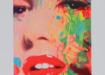 CLOSE-UP 3 MARILYN